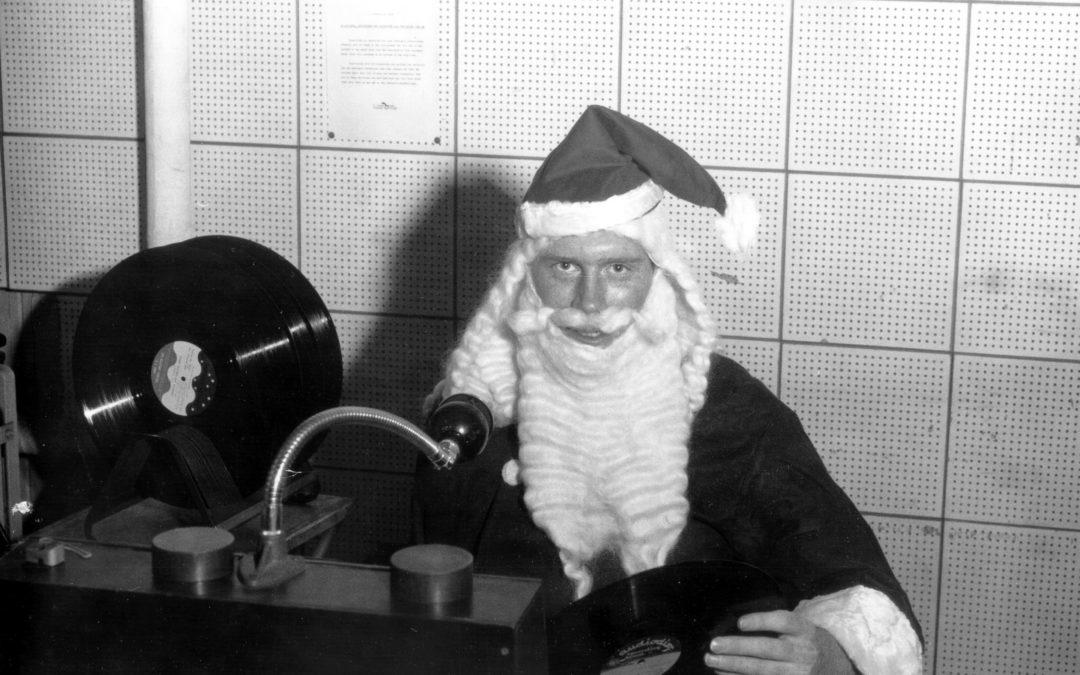 Holiday Songs 2016: Rock n' Roll All Night and Fa La La La La Every Day